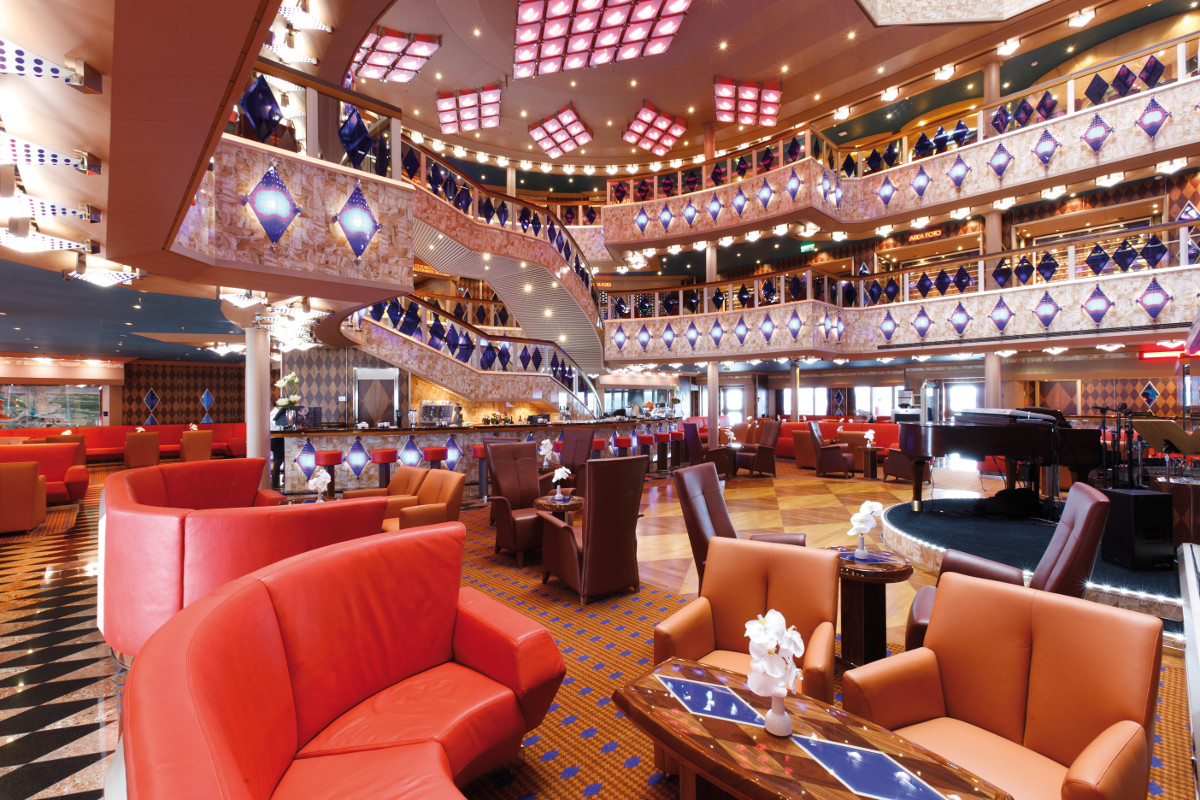 costa cruise line favolosa atrium