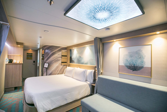 Dream Cruises Global Dream cabin Bedroom