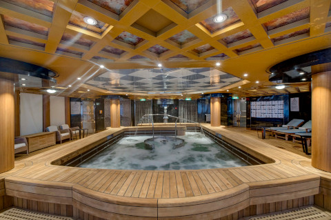 Holland America Noordam spa pool
