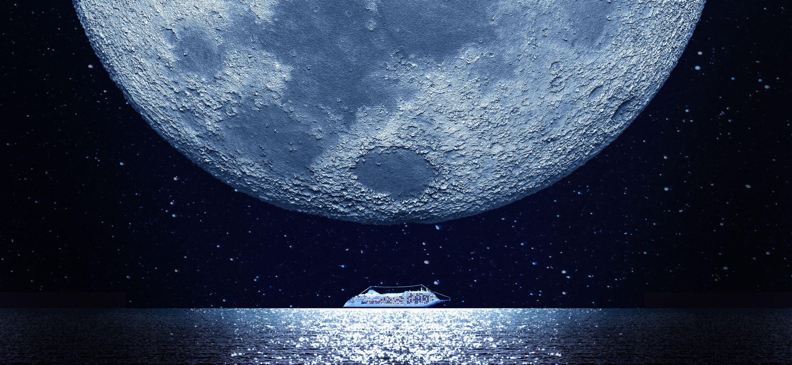 Silversea Cruises Silver Moon under the moon