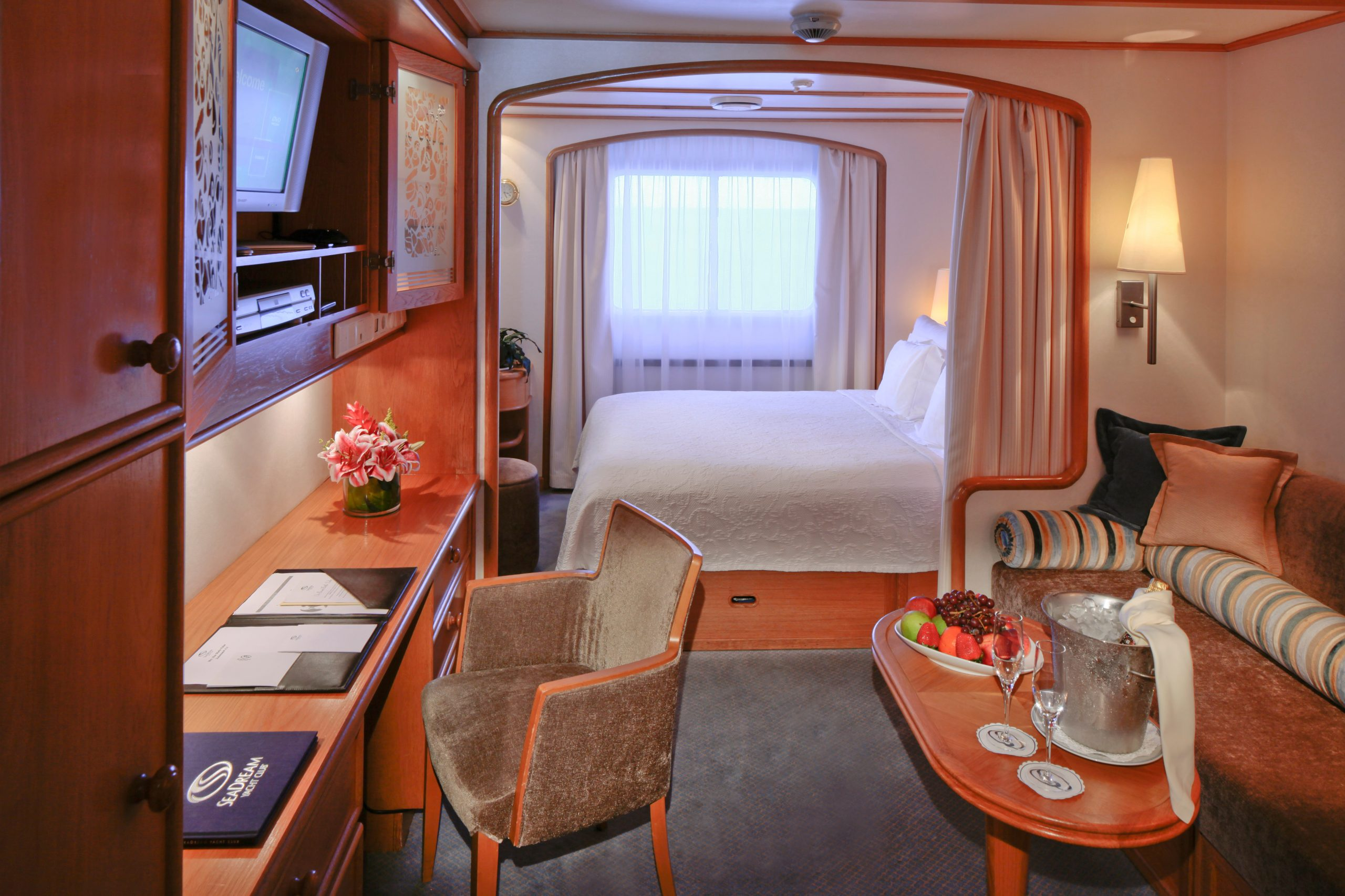 SeaDream Yacht Club ship Commodore Suite Yacht Club Stateroom