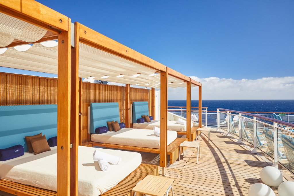 Hapag-Lloyd Cruises MS EUROPA 2 Daybeds