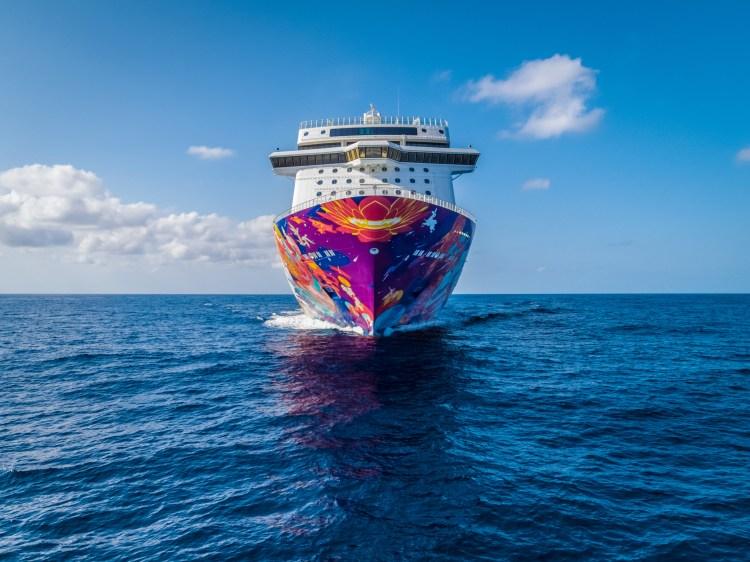 dream cruises world dream bow hull art